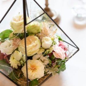 idées-cadeaux-invités-déco-fleurs-terrariums