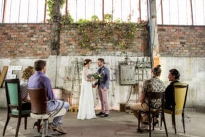 garage-moderne-bordeaux-industriel-wedding-planner-mcreationevents-vintage-florale-mariage-shooting13