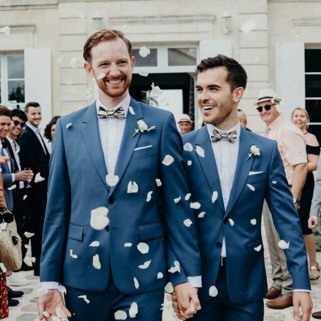 ~ Happy wedding ~  Belles noces de cuir V&F♥️  Spéciale dédicace à votre génialissime photographe @claraly_studio dont nous fêtons l'anniversaire aujourd'hui!!  #happymoment #wedding #mariage #weddingbordeaux #grooms #weddinganniversary #loveislove #love #gayweddings